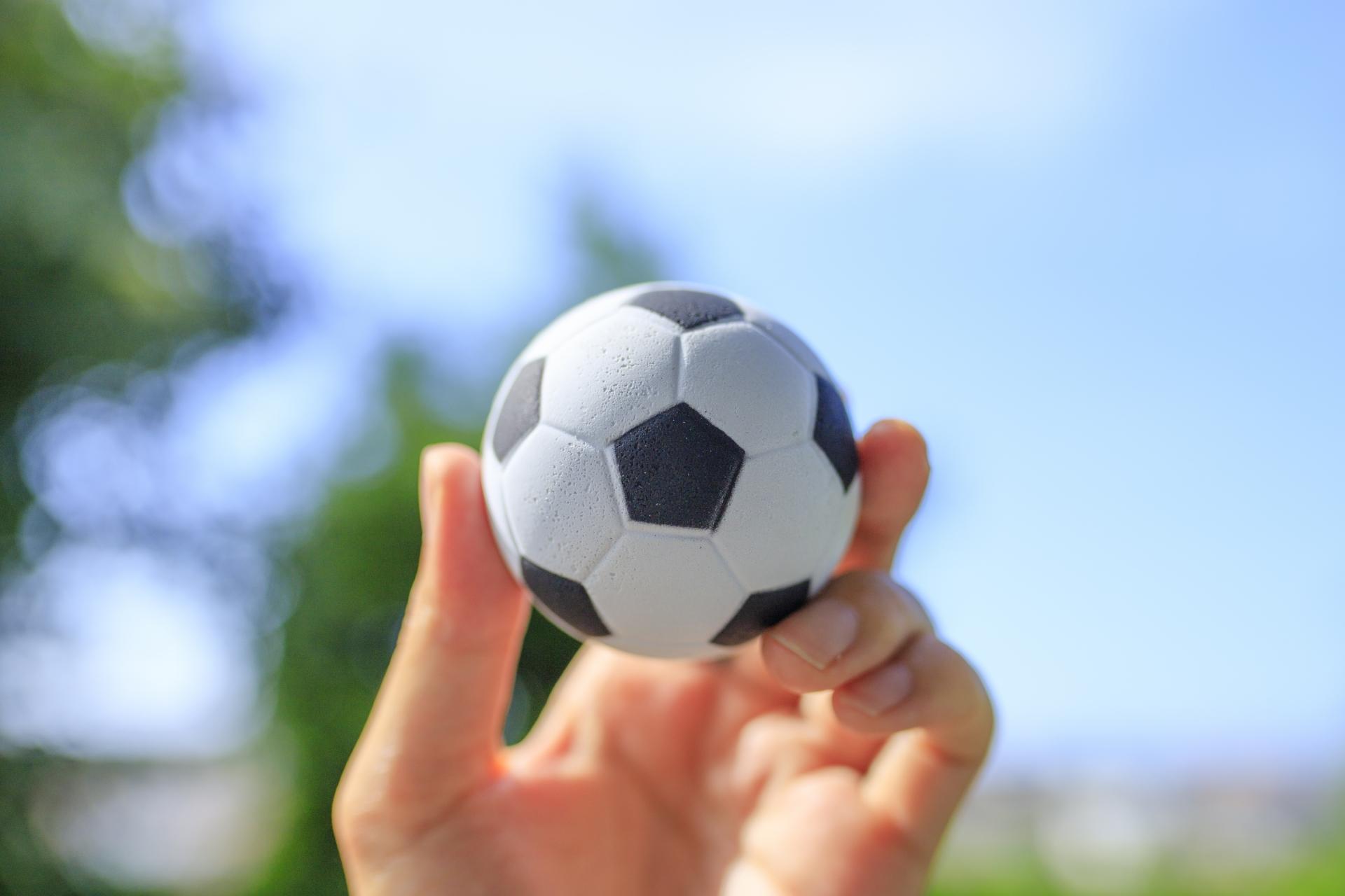 サッカーもFXも、時勢に応じて戦術が変わっていくもの